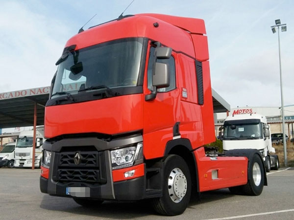 0426-RENAULT TRUCKS T 460 SLEEPER CAB