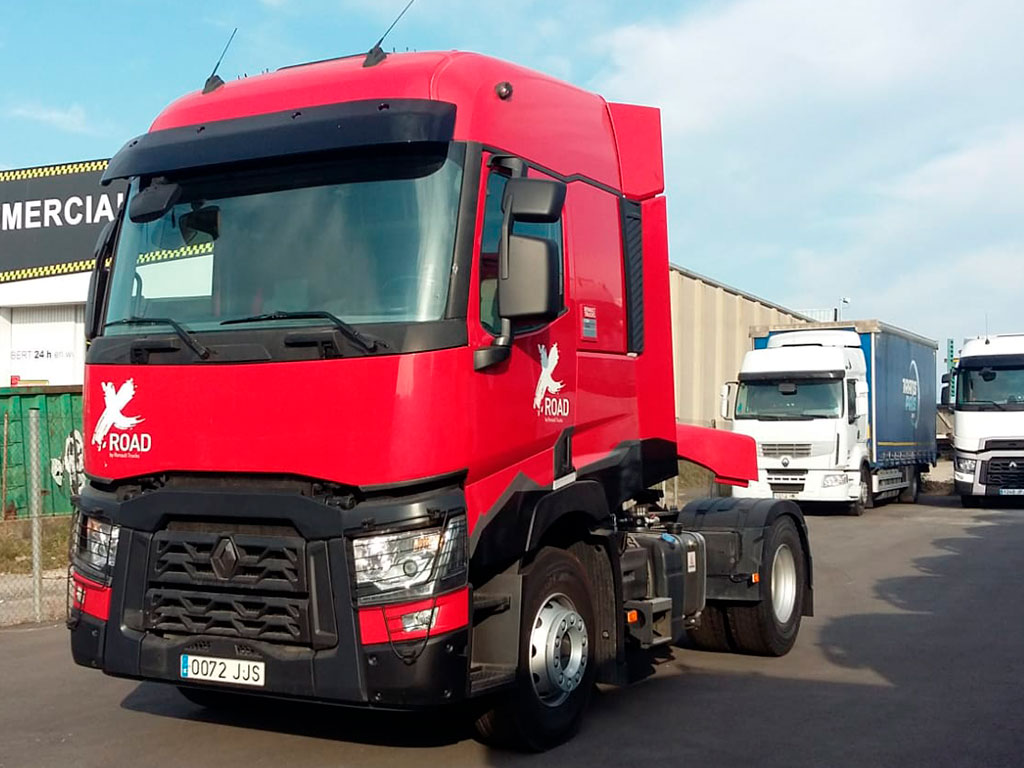 AGON TRUCK CENTERS RENAULT T 460 X ROAD